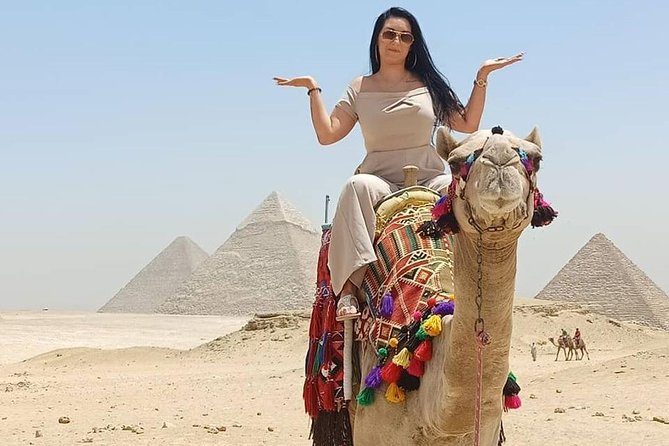 Private Full Day Tour to Giza Pyramids and the Egyptian Museum with Pickup