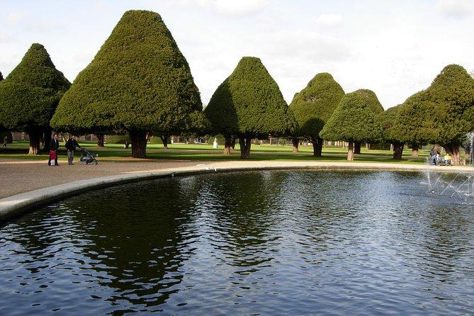 Hampton court palace private tour by train