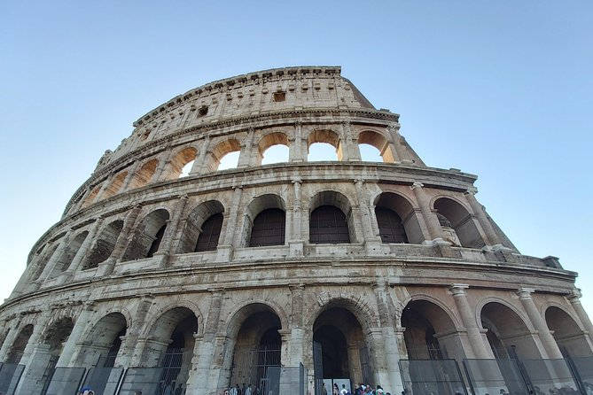 Skip the Line: Colosseum (Flavian Amphitheater) Small Guided Tour Group