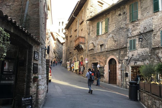 Religious Tuscany and Umbria with Lunch&WineTasting Fullday from Florence