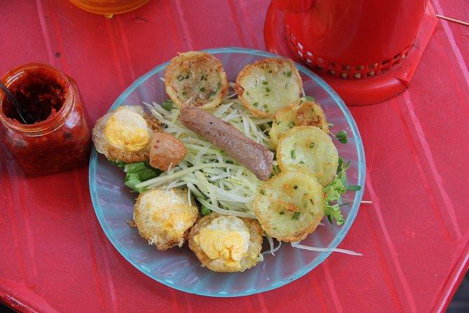 FOOD ADVENTURERS - Traditional Vietnamese Food of DaNang Tour