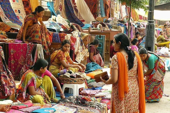 Private Tour: Delhi Shopping Tour with Local Expert