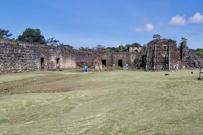 Colon, Fort San-Lorenzo - from one ocean to another by train