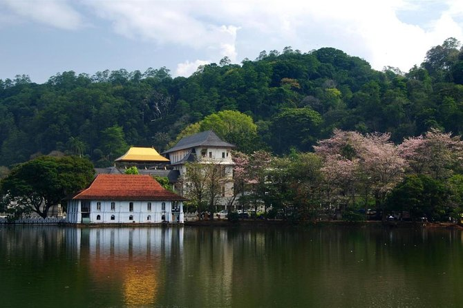 3 Days Tour to Kandy Nuwara Eliya & Sigiriya from Colombo photo 1