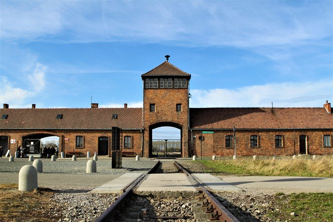 Auschwitz & Birkenau English guided tour by private transport from Katowice