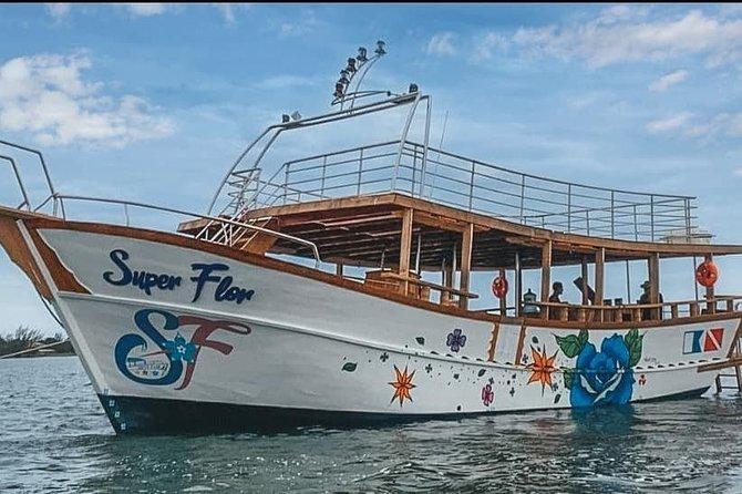 Passeio de Barco Super Flor - Arraial do Cabo - Caribe Brasileiro