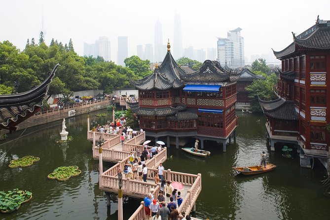 Shanghai Private Layover Tour: Wuzhen Water Town , the Bund and Xintiandi photo 9