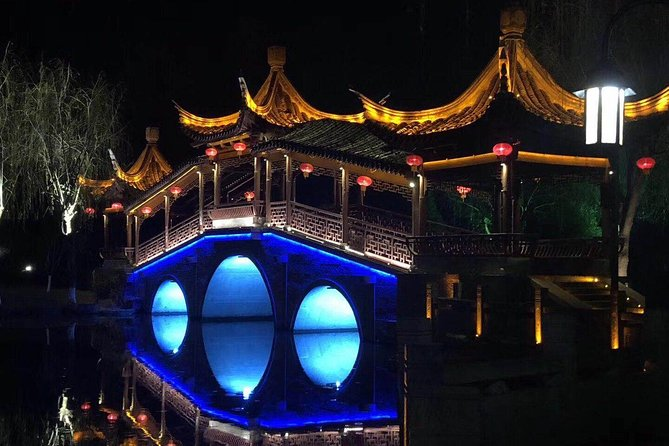 Private Layover Tour to Xitang Water Town from Shanghai and Shanghai Highlights