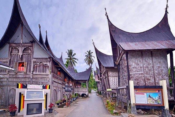 4 Days Padang Tour: Thousand Gadang Houses, Weaving Village & Sianok Canyon