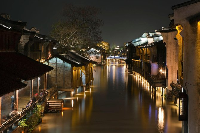 Shanghai Private Layover Tour: Wuzhen Water Town , the Bund and Xintiandi photo 7