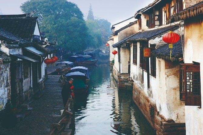 Private Tour to Zhouzhuang Water Town from Shanghai with Lunch photo 3