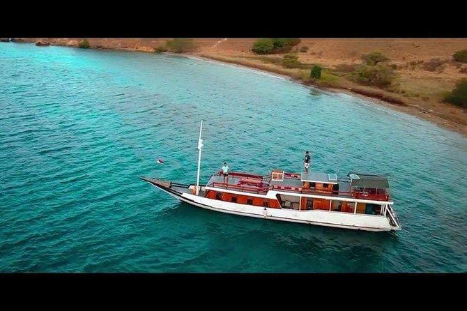 Full day Rental Boat From Labuan Bajo To Komodo Island