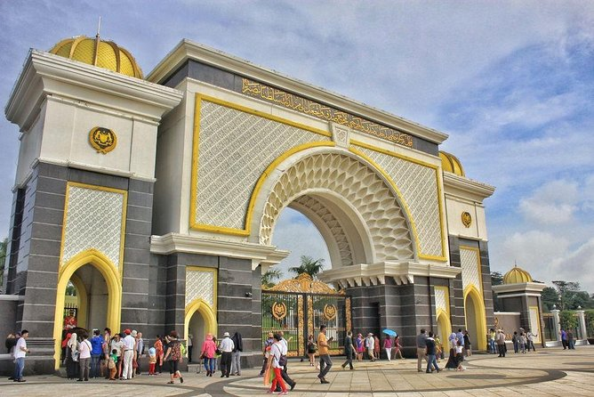 From Singapore : Day Trip to Kuala Lumpur & Malacca with Personal Chauffeur