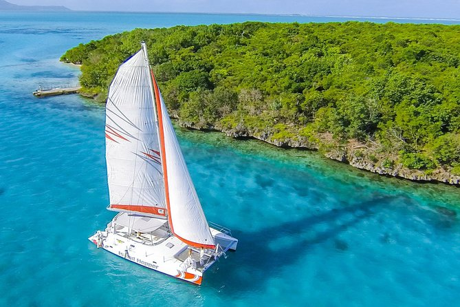 Ile aux Cerfs Catamaran from Pointe Jerome photo 1