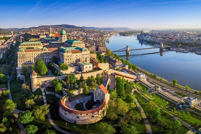 Budapest all in 1: 3-Hour Guided Bus Tour & 1hour Danube River Cruise