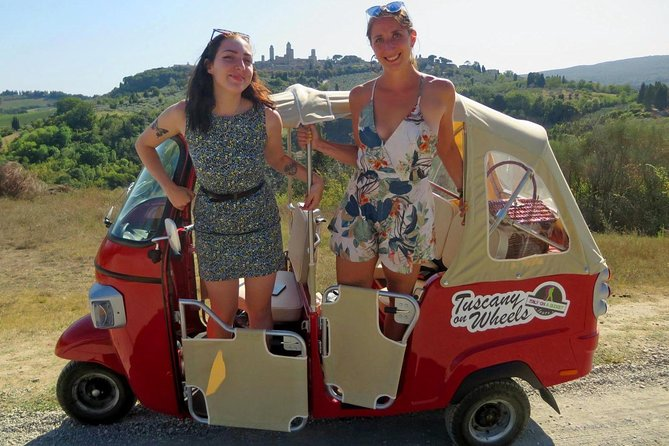 From San Gimignano: Private Panoramic Tour in Chianti by TukTuk
