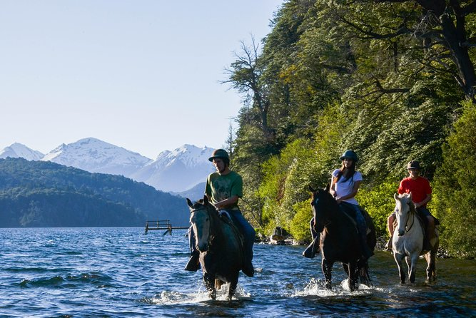 Horseback Riding with asado in Lago Moreno, Argentina
