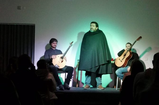 Porto Private Tour BY Night with Fado Live Show INCLUDED