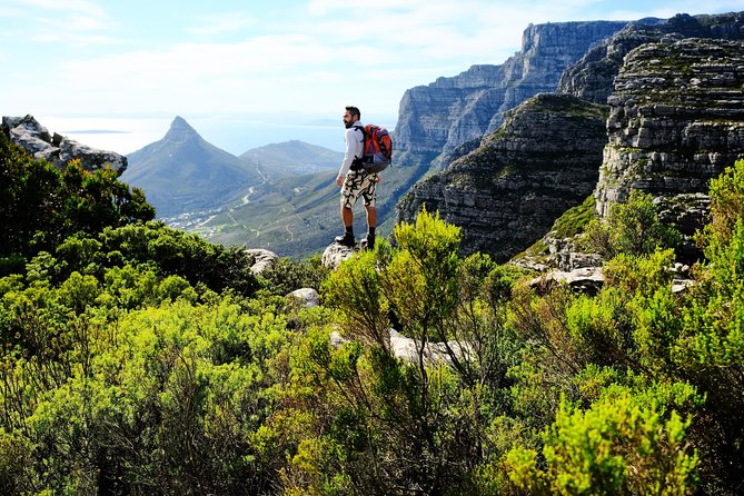 Cape Town - Hike to Tranquility Cracks on Table Mountain!