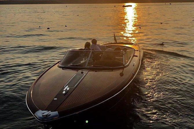 Luxury on lake Como on board of a classic Riva speedboat