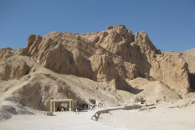 Tour to Habu temple, tombs of Nobles, and valley of the Queens. photo 3