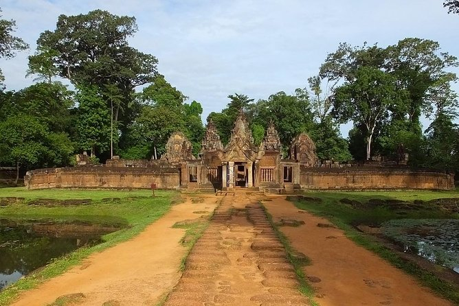 Private Tour: Angkor Wat and The Royal Temples Full-Day Tour from Siem Reap photo 7