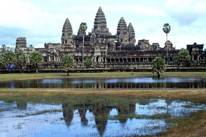 Private Tour: Angkor Wat and The Royal Temples Full-Day Tour from Siem Reap photo 3