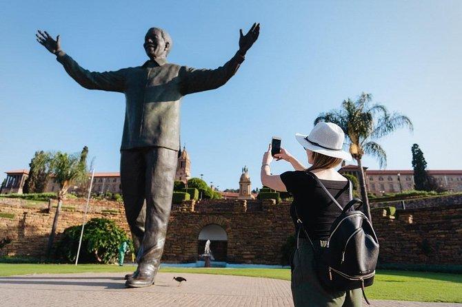 Pretoria, Joburg and Soweto Full Day Tour (English / German Guided)
