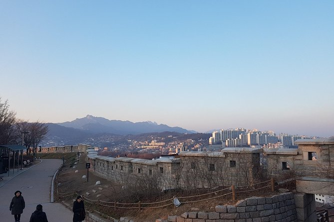 Seoul Old City Wall Tour with Sunset photo 14