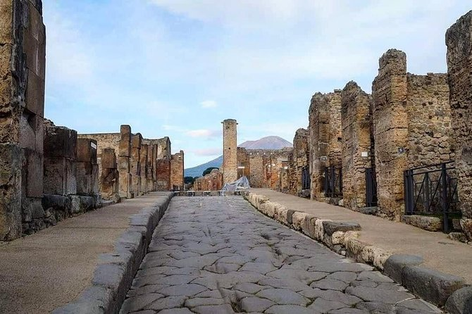 Pompeii and Hercolaneum - Explore the Roman Era all inclusive