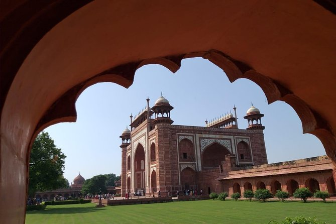 Overnight Agra tour visit Taj Mahal at the sunrise and sunset with 4 Star hotel