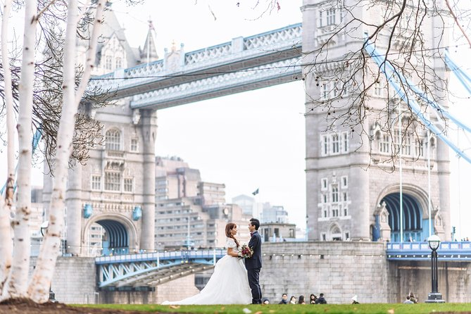 London photoshoot with Pro photographer. Prewedding/Individual/Family