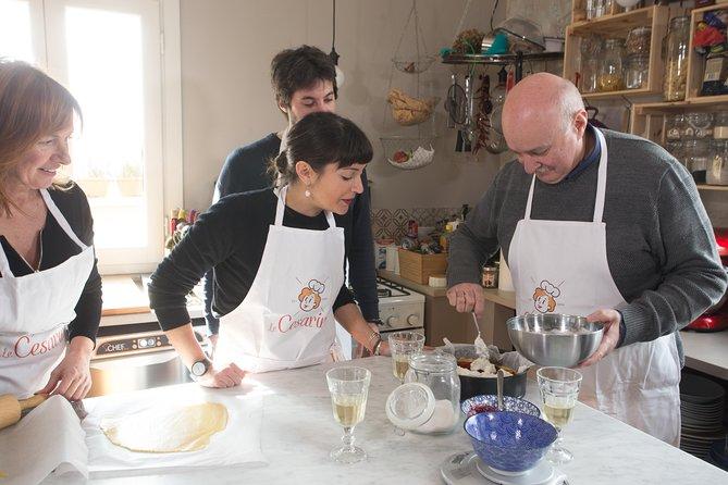 Private Pizza & Tiramisu Class at a local's home with tasting in Positano