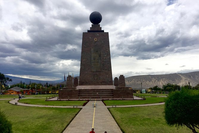 Mitad del Mundo and Teleferico Private tour