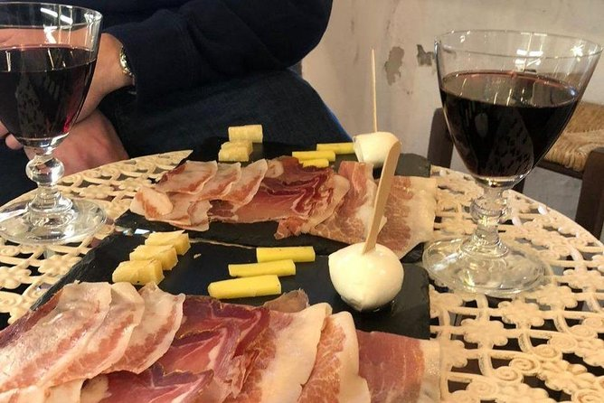 Eat Like a Local: Food & Wine Tour of Secret Roman Streets