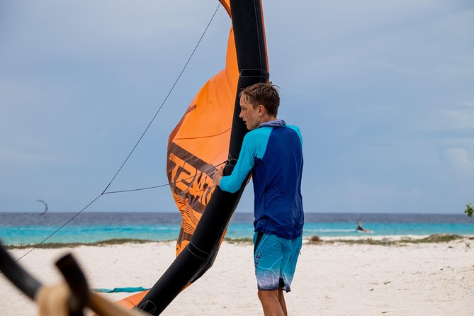 Kitesurfing 3 hours private lesson photo 3
