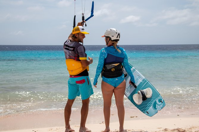 Kitesurfing beginners lesson photo 10