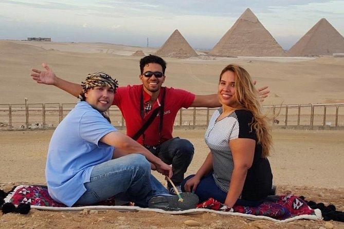 Private sightseeing Tour: Giza Pyramids, Egyptian Museum and Khan Khalili Bazaar