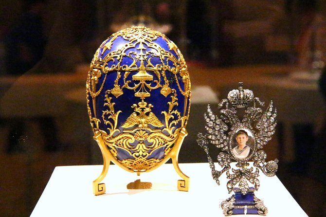 1-Day Visa-Free Tour in St Petersburg with Faberge Collection