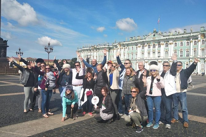 Wie ein 2-tägiger öffentlicher Landausflug nach St. Petersburg