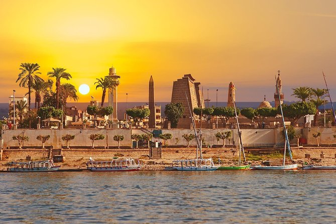 Ultra - Private Airport Transfer from Cairo city centre to Cairo Airport CAI