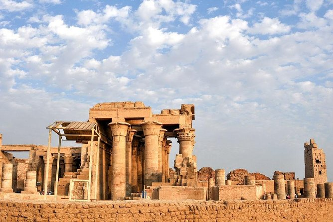 Aswan: Full Day Private Guided Tour to Kom Ombo and Edfu temples to Luxor