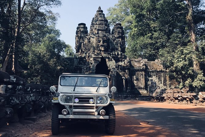 Private Sunrise Angkor Tour By Jeep