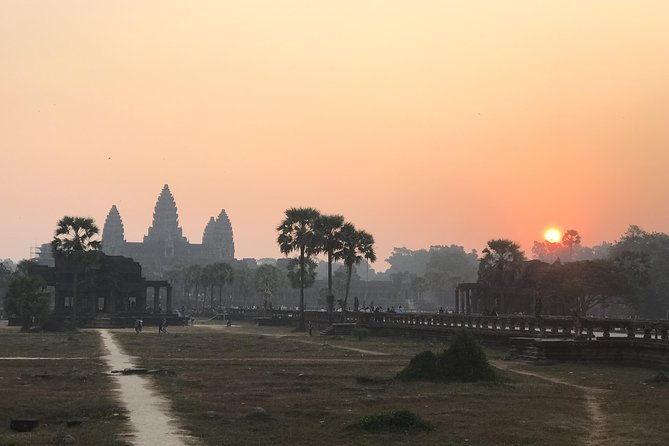 Pfrivate Best Angkor Two Days Temples Tour photo 15