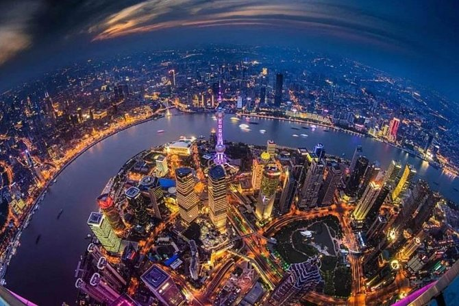 Private Shanghai Night Tour with Lost Heaven Dinner and Bar Hopping Option