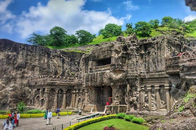 Mumbai to Ajanta & Ellora Caves Guided Tour