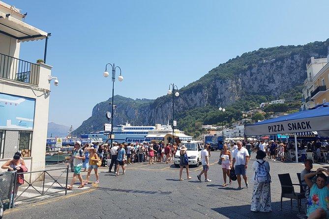 6 days tour: The jewels of the Amalfi Coast, Naples, Pompeii and Caserta