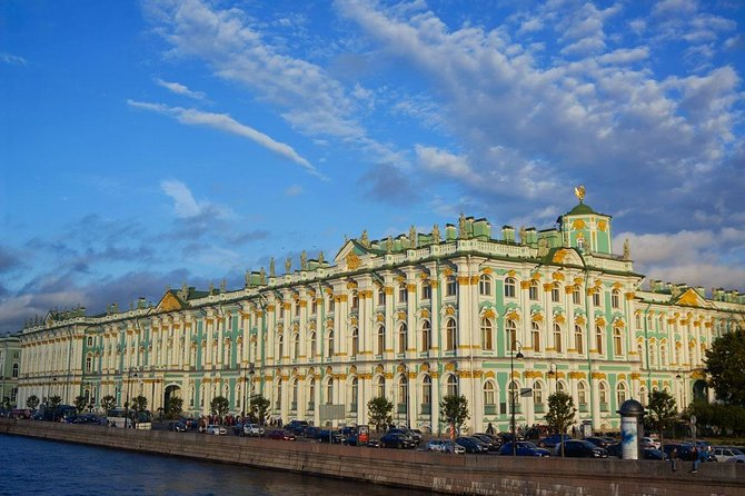 1-day private Visa-Free tour in St Petersburg with Peterhof