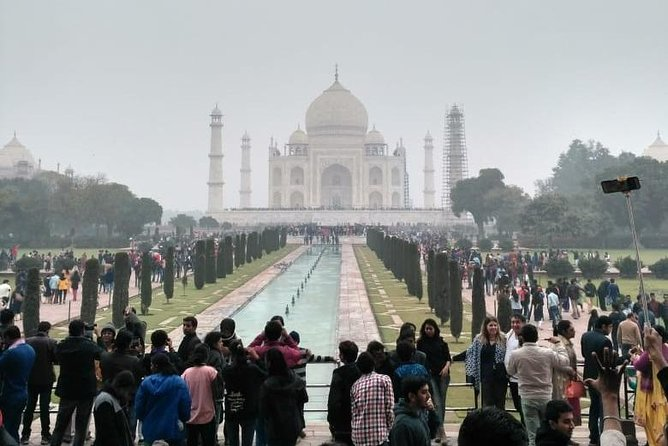 1 Day Visit to Taj Mahal & Agra Fort with Entrance Tickets