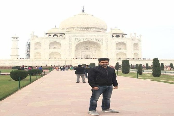 1 Day Visit to Taj Mahal & Agra Fort with Entrance Tickets photo 7